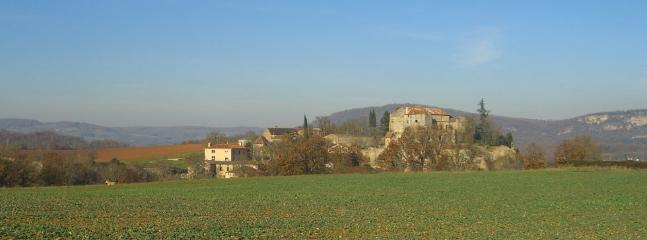 A crystal clear day looking towards the old Chateau at Milhars.