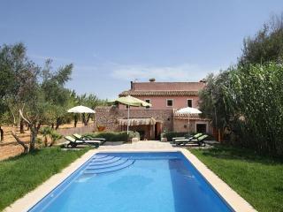 4 bedroom Villa in Buger, Mallorca : ref 3910, Búger
