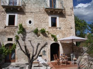 Casa Carapelle, L'Aquila
