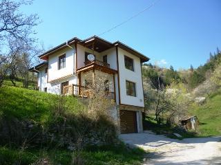 Holiday house in Momchilovtsi