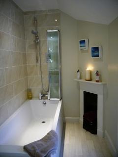 En-Suite bathroom to King Size Bedroom