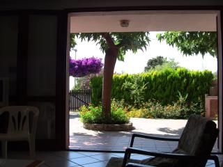 Nice house with private garden, Oristano