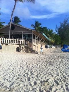 mullens beach bar and resturant