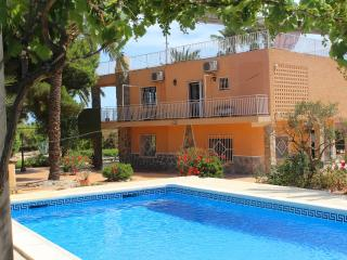 Glorious Simmons Raffo Villa with private pool, Santa Pola