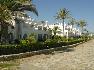 Frontline Beach Apartment, Estepona