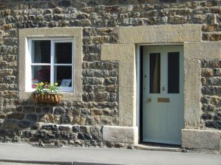 Masham Cottages - The Snug; 2 bed holiday cottage in central Masham