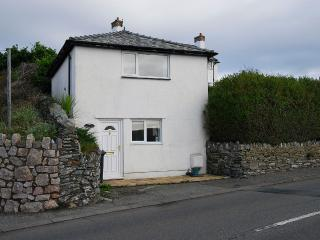Cosy Cottage in the heart of Trearddur Bay, within walking distance to the beach