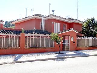 villa con piscina privada cerca del centro, Málaga