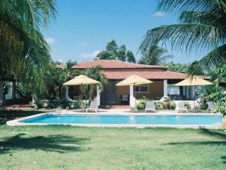 Lovely Villa Jerome with privet swimming Pool, Fortaleza