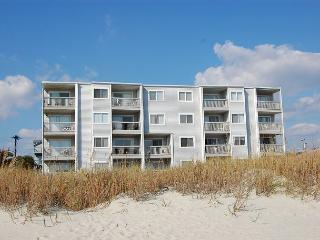 Spacious 3 bedroom, 3 bath direct oceanfront condo., North Myrtle Beach