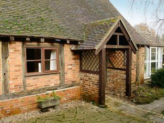 Hop Cottage - spacious cottage in peaceful rural location with Hot Tub