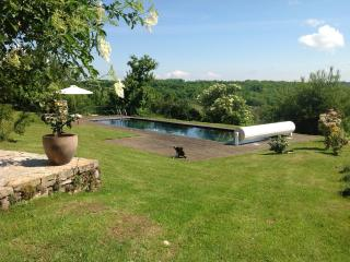 Le Vigneron - Farmhouse with pool and views, Lot