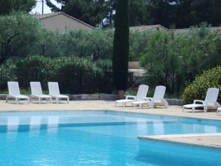 Charming self-catering gite, Saint-Rémy-de-Provence