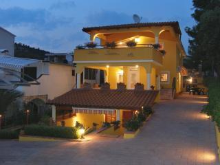 Villa Toscana, Zaboric