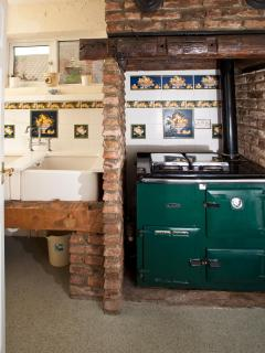 Belfast sinks and decorative Aga