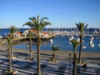 Beachfront Apt - Best Location, Los Alcazares