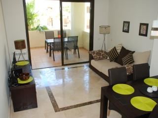 Roda Golf Resort, 2 Bedroom Spacious Apartment, Overlooks Pool in Phase 3.