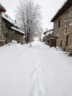 Snowy footpath.
