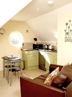 Spacious studio, Kingfisher, just for two