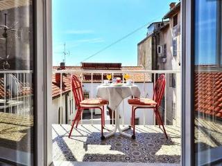 Condo Riviera, Split