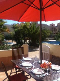 Breakfast al fresco looking out onto the pool