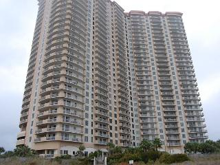 Beautiful 3 bedroom ocean view condo located within Kingston Plantation, Myrtle Beach