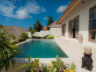 Villa Sursur Bali 2 bd AC, Ungasan