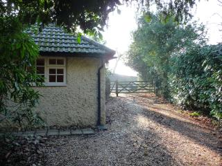 Avon Vale , New Forest Self Catering Cottage for 2
