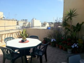 Nice Duplex Penthouse with terrace, Gzira
