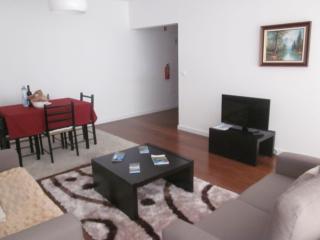 Marina Mar II: One-Bedroom Apartment with Balcony