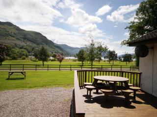 Crann Mhor Holiday Home with views of Loch Goil