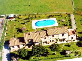 Detached villa with private pool, lake Trasimeno