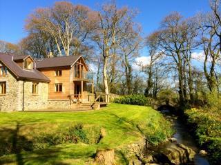 Llynon Lodge, Llanddeusant