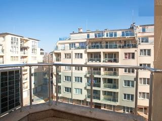 Modern/Sunny/Secured 1 Bedroom Apartment