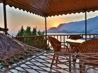 4 PEOPLE SEA & SUNSET VIEW APT. WITH POOL IN KAS, Kas
