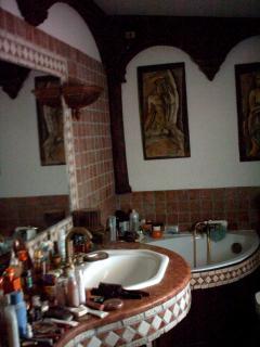 bagno della camera matrimoniale nella suite