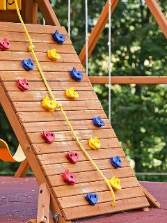 Childrens' climbing frame