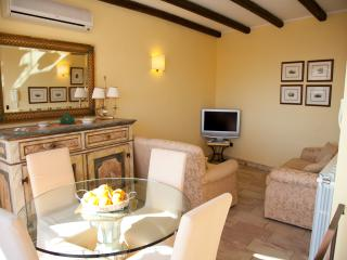 Da John e Virginia luxury apartment in the historic center, free wi-fi, Taormina