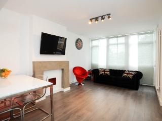 On Brick Lane! 3 bedrooms, 2 floors all brand new, London
