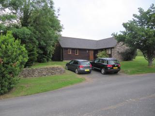 Bodmin Bungalow, 3 bedrooms, indoor pool, gym, restaurant/bar, lakes, tennis,