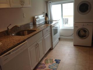 Ocean views 3b /1b -1 house to beach. $1850 week, Ocean City