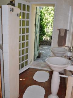 Bathroom main house level 2