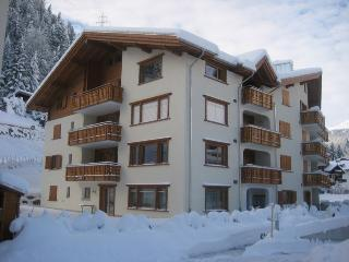 Klosters Apt. 8 Mins walk to Lifts + Sauna.  Excellent Value!