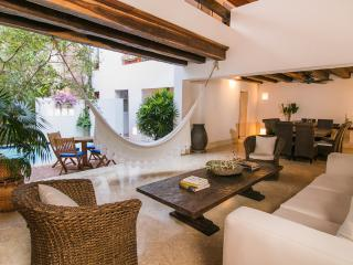 Open-Air, 3 Bedroom Home with Terrace and Pool in Old Town, Cartagena