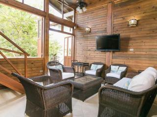 Spacious 4 Bedroom House on Private Beach Near Cartagena, Isla Baru