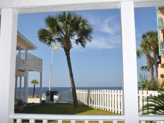 Baby Bahama Lower Cottage on the beach sleeps 2 -6