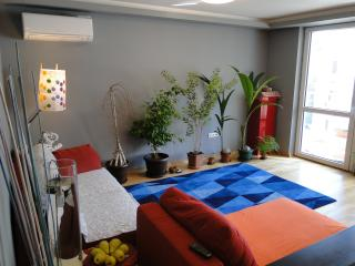 Modern/Sunny/Secured 1 Bedroom Apartment, Sofia