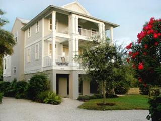 Luxurious Villa with Pool, Gourmet Kitchen & WiFi!, Longboat Key