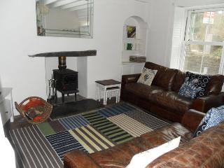 Superb Three Bedroom Cottage, Aberdyfi (Aberdovey)
