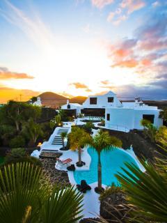 Casa Teiga garden and pool evening view